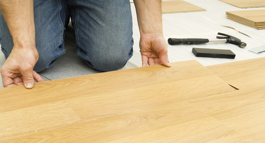 Видео: как положить ламинат на деревянный пол своими руками, инструкция и советы