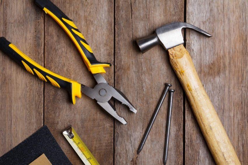 Инструменты, необходимые для укладки напольного покрытия