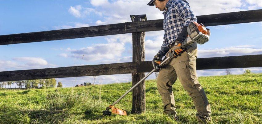 Бензокоса – отличный помощник в борьбе с сорняком и бурьяном на земельном участке