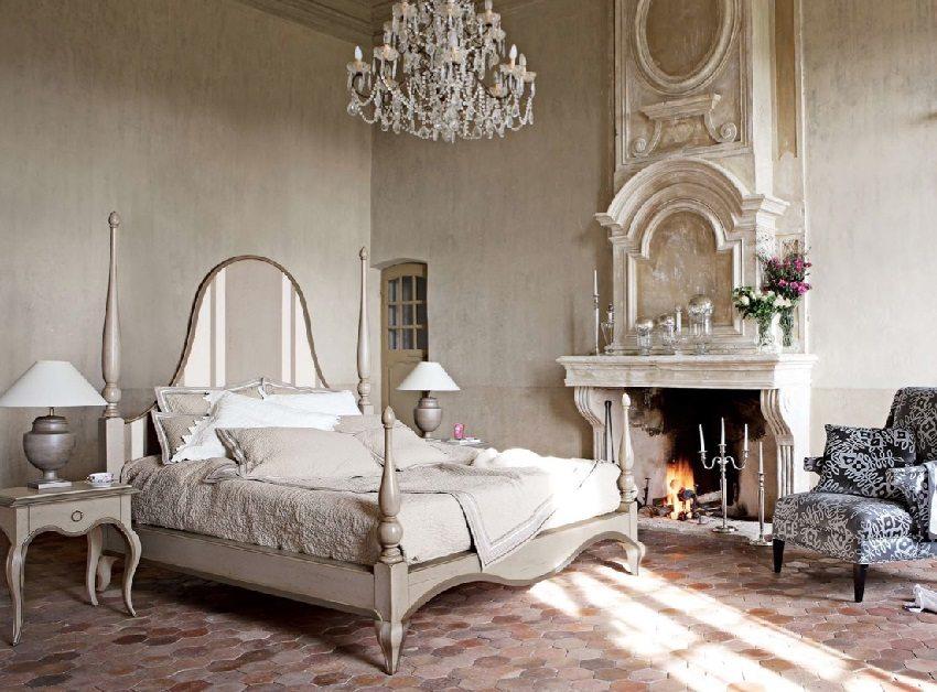Роскошный интерьер спальни в античном стиле