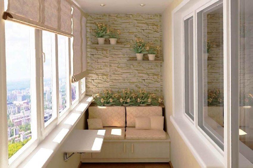 Рельефная штукатурка на одной стене балкона