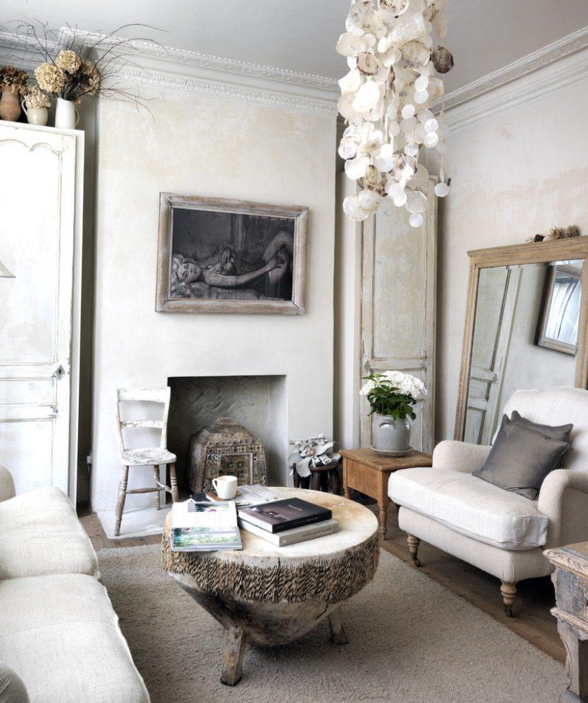 Оформление стен гостиной венецианской штукатуркой придает помещению индивидуальность
