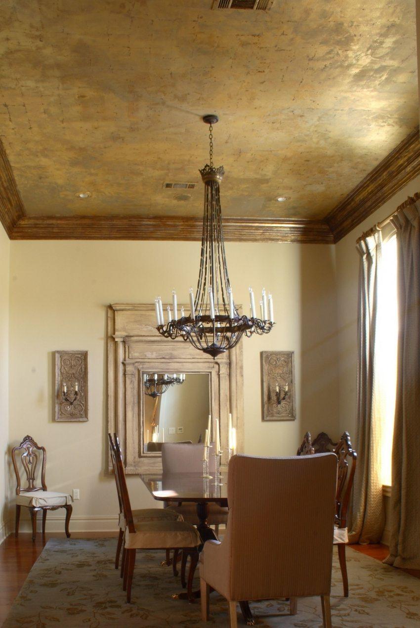 Венецианская штукатурка на потолке в классическом интерьере