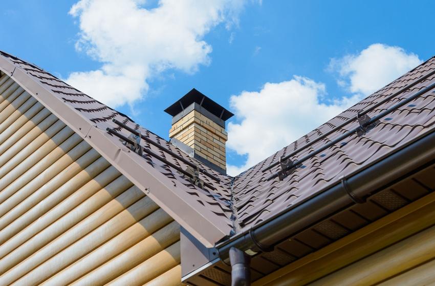 Дымоходы из кирпича используются в комплексе с керамическими или стальными вкладышами