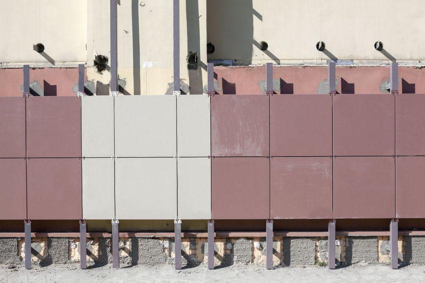 Обустройство вентилируемого фасада помогает значительно продлить сроки эксплуатации здания