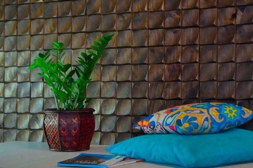Рельефные ПВХ панели чаще всего используются для отделки стен
