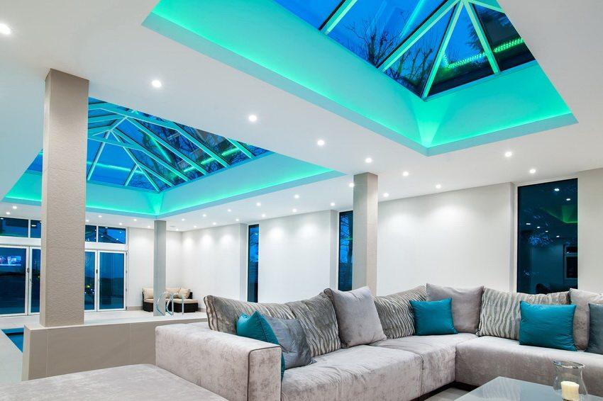 С помощью точечных светильников для подвесных потолков можно создавать по-настоящему уникальную обстановку