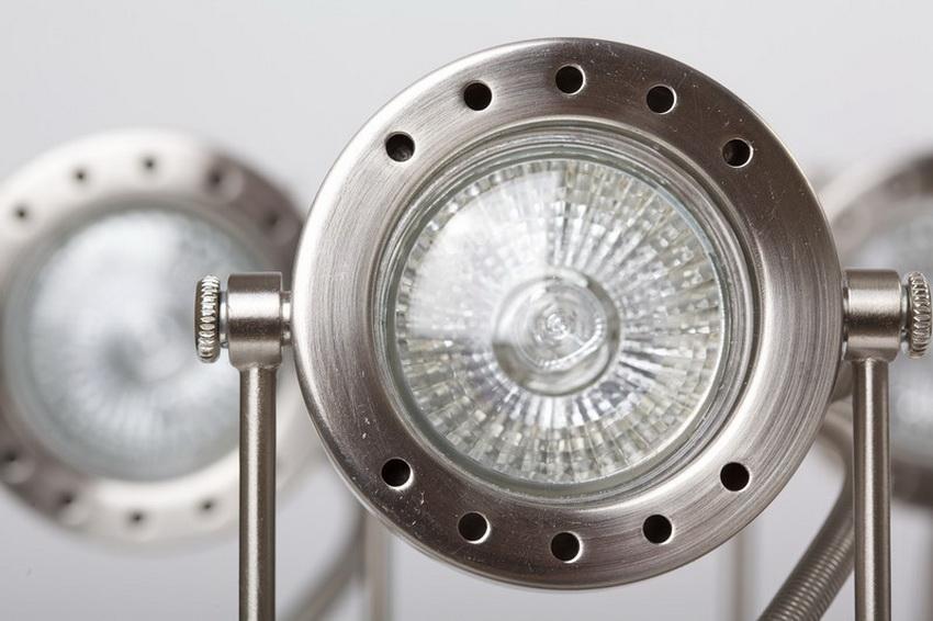 Выбирая светодиодные светильники следует обращать внимание на качество продукции и надежность производителя