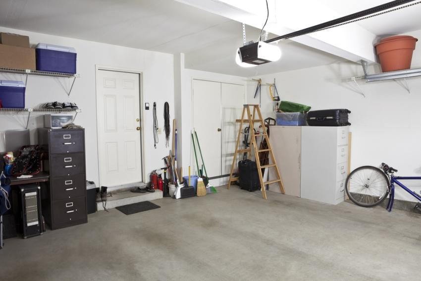 Освещение в гараже должно быть достаточно ярким и мощным