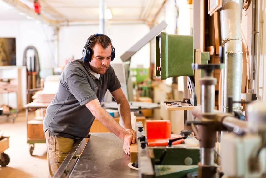 Самодельные станки и приспособления для мастерской своими руками 758
