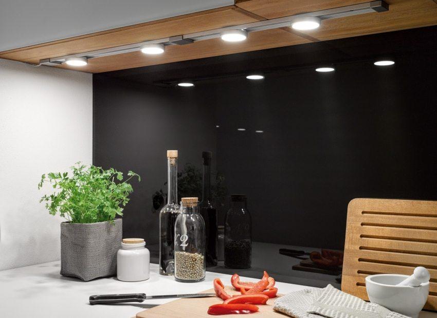 Функциональная подсветка рабочей поверхности на кухне
