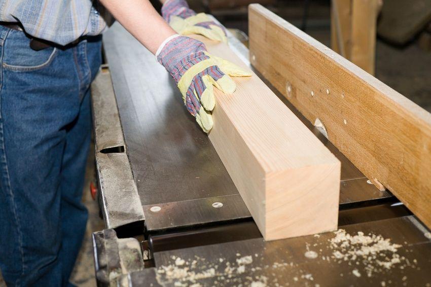 Деревообрабатывающие станки позволяют создавать уникальные предметы из древесины, не затрачивая большого количества усилий и времени
