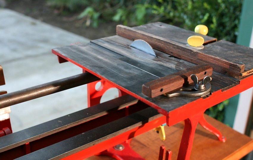 Многофункциональный деревообрабатывающий станок пригодится как в профессиональной, так и домашней мастерской