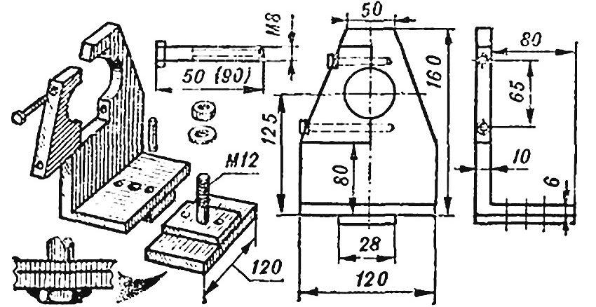 Чертеж передней опоры, внутри которой закрепляется дрель