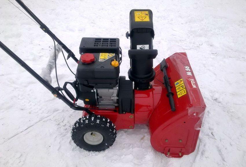 Снегоочиститель фирмы MTD эффективен и функционален в использовании
