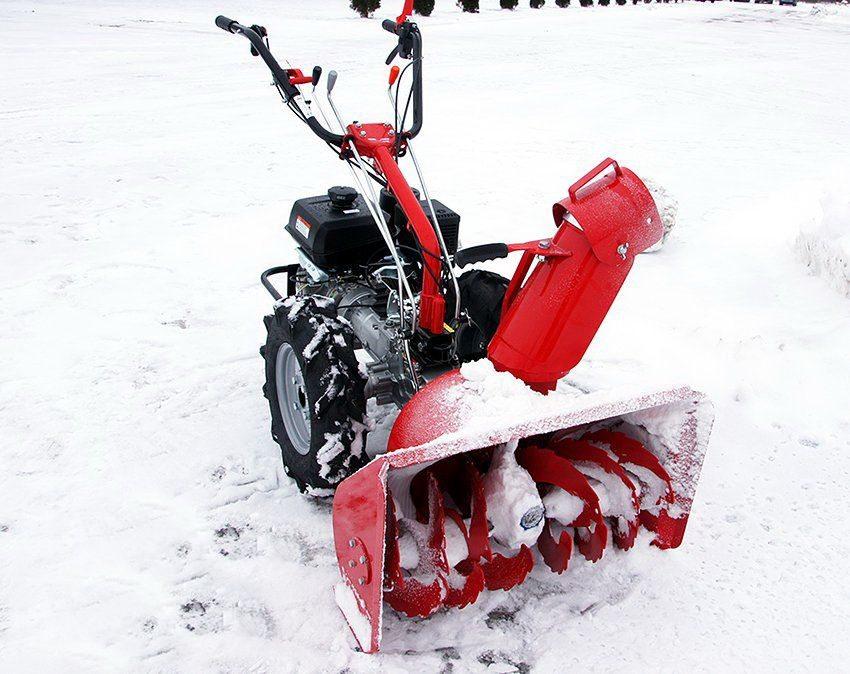 Снегоочиститель для мотоблока Салют рекомендуется использовать на ровных поверхностях
