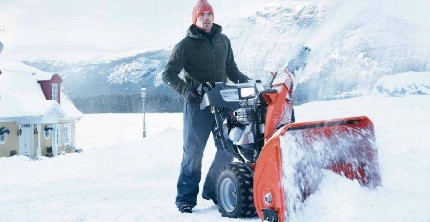 Выбор снегоуборщика должен быть основан на характеристиках участка, который предстоит очищать