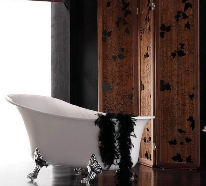 Ширма придаст особую роскошь современной ванной комнате