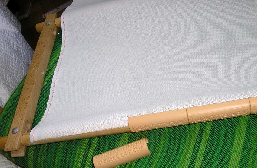 Крепление полотна ткани к каркасу ширмы