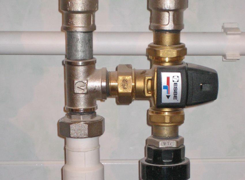 Наличие трехходового клапана позволяет регулировать климат в помещении при любом типе отопления