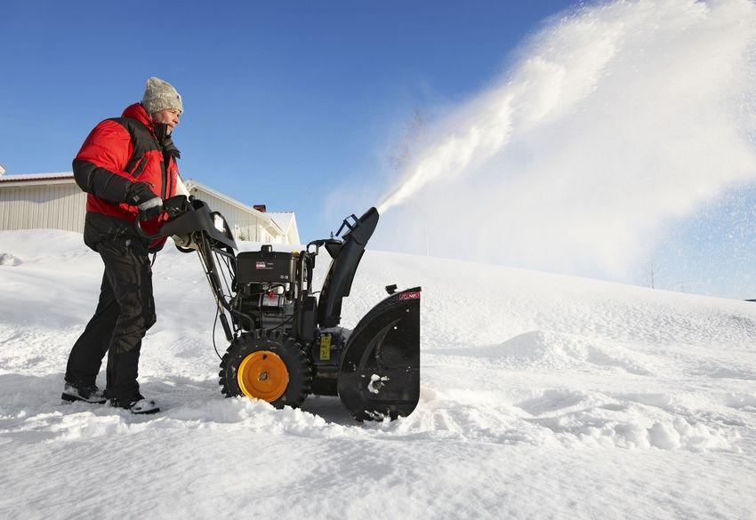 Самоходные бензиновые снегоуборщики способны справиться с любым видом и объемом снежных осадков