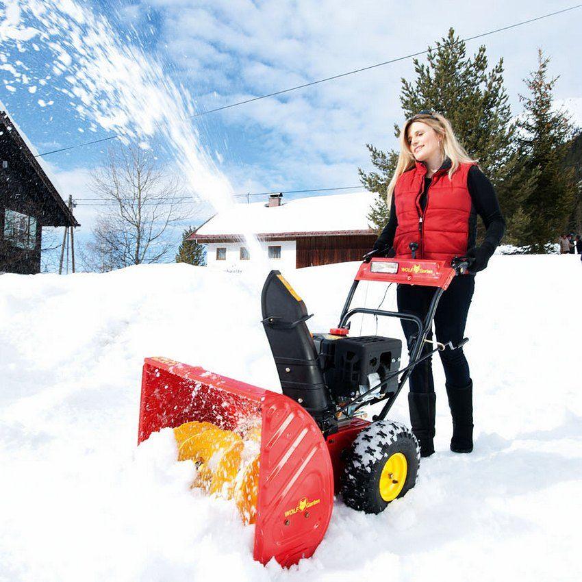 Для управления самоходными снегоочистительными машинами не нужны большие физические усилия