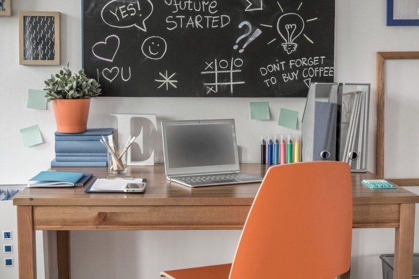 Современное рабочее место для девочки-подростка