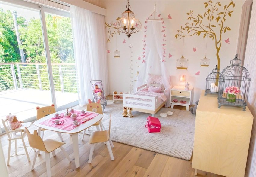 Красивая и уютная комната девочки