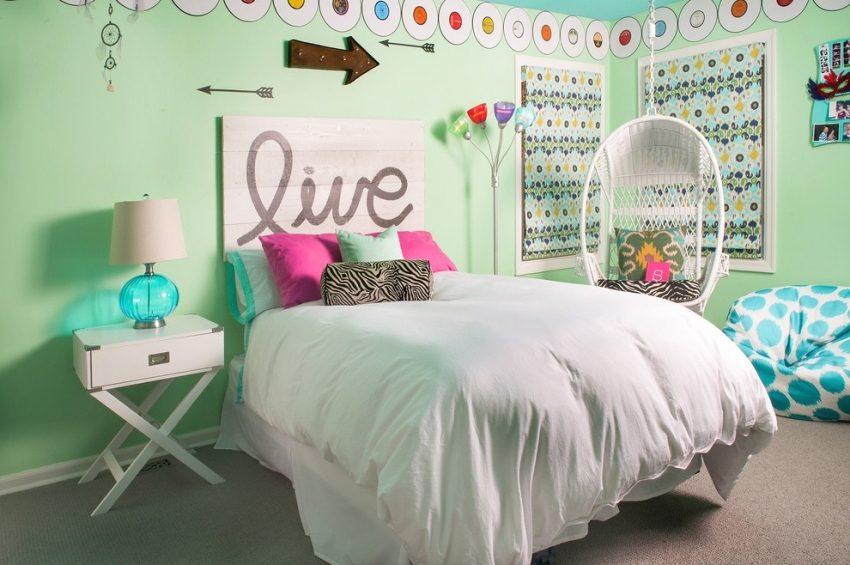 Нежные мятные оттенки в дизайне комнаты девочки