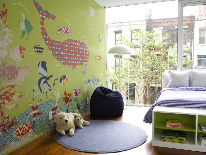 Детская комната с большим панорамным окном