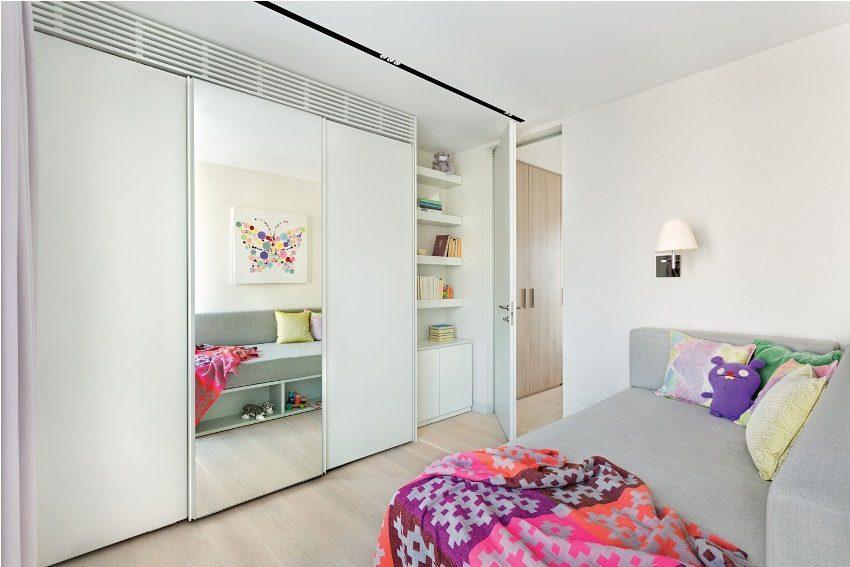 Комната девочки, оформленная в современном стиле