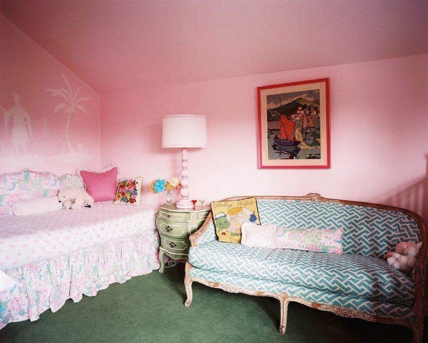 Комната девочки с мебелью в стиле ампир
