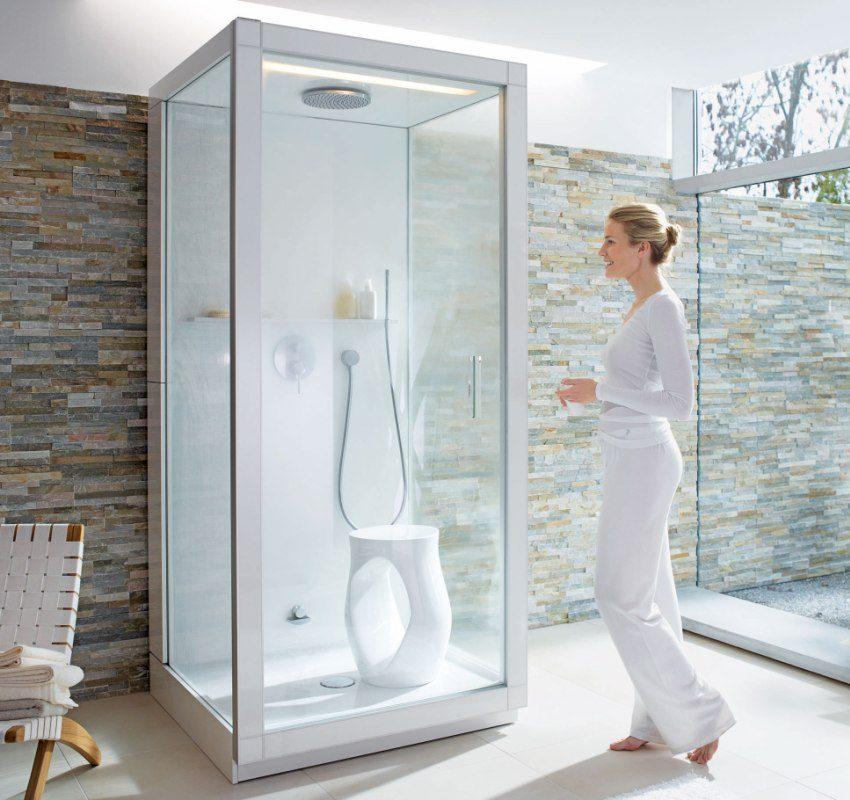 Компактная душевая кабина впишется в ванную любого размера