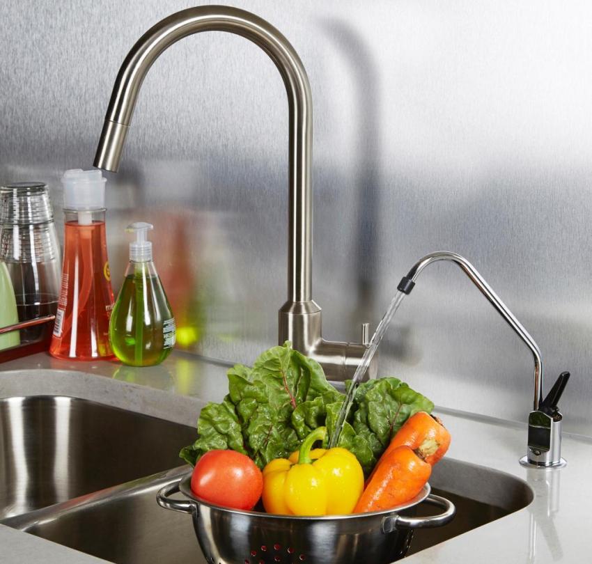 Фильтр может комплектоваться отдельным краником для чистой воды