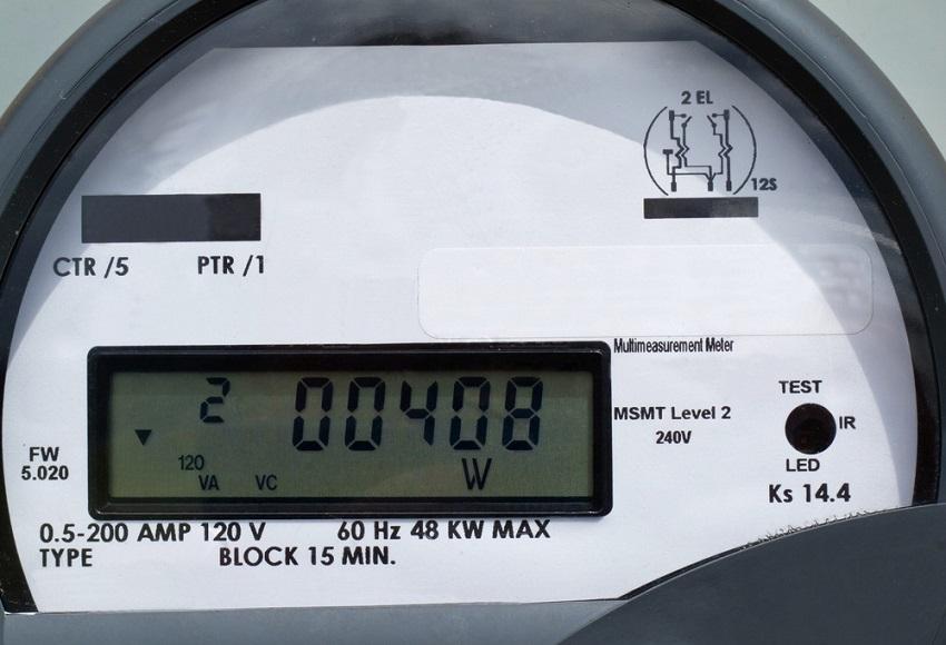 После ремонта, проверки или замены старого счетчика приглашается представитель энергосбыта