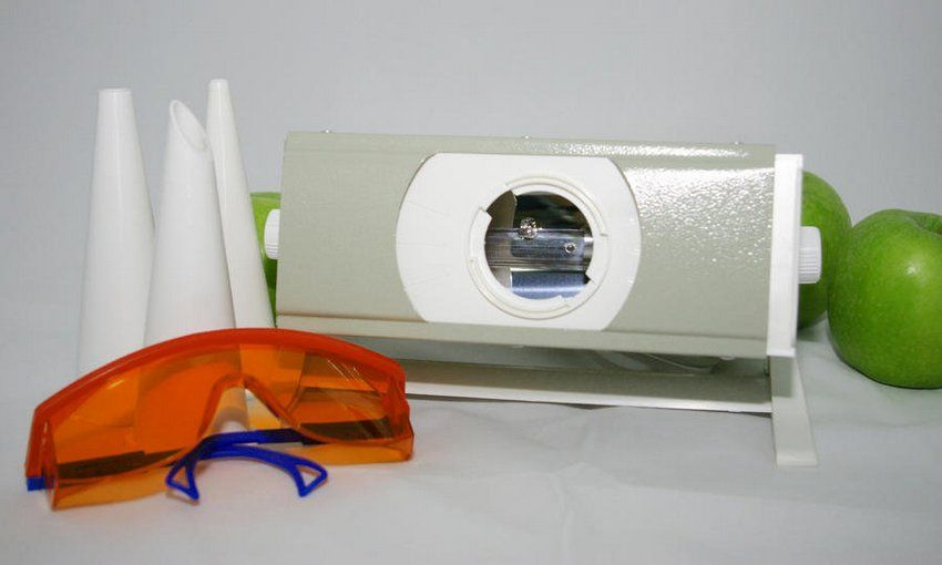 """Кварцевая лампа """"Солнышко"""" является одним из самых популярных приборов с ультрафиолетовым излучением для детей"""