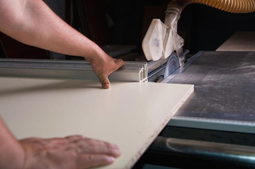 Распиловка древесностружечной плиты