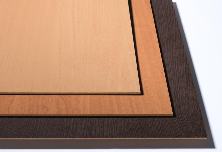 ДВП с ламинированной поверхностью могут использоваться для отделки стен помещений