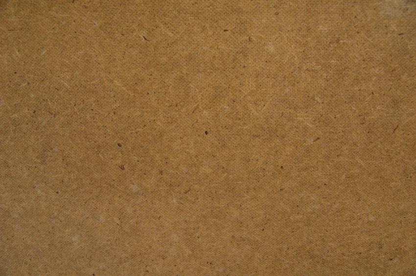 Влагостойкость материала обеспечивает парафин, канифоль или церезин