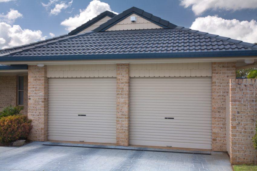 Из всех типов ворот для гаража роллеты являются самым экономным вариантом