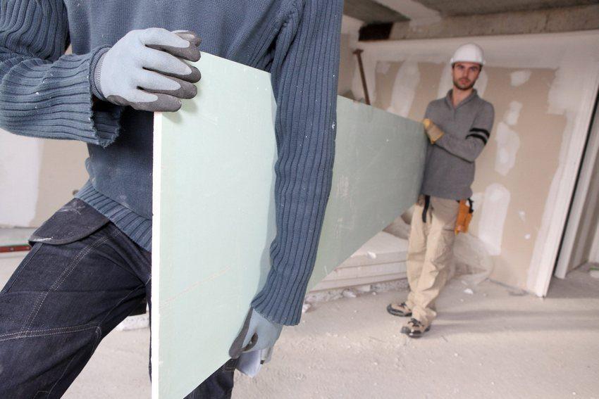 Перегородки для зонирования пространства из гипсокартона могут быть установлены в любых помещениях - от ванной до спальной комнаты