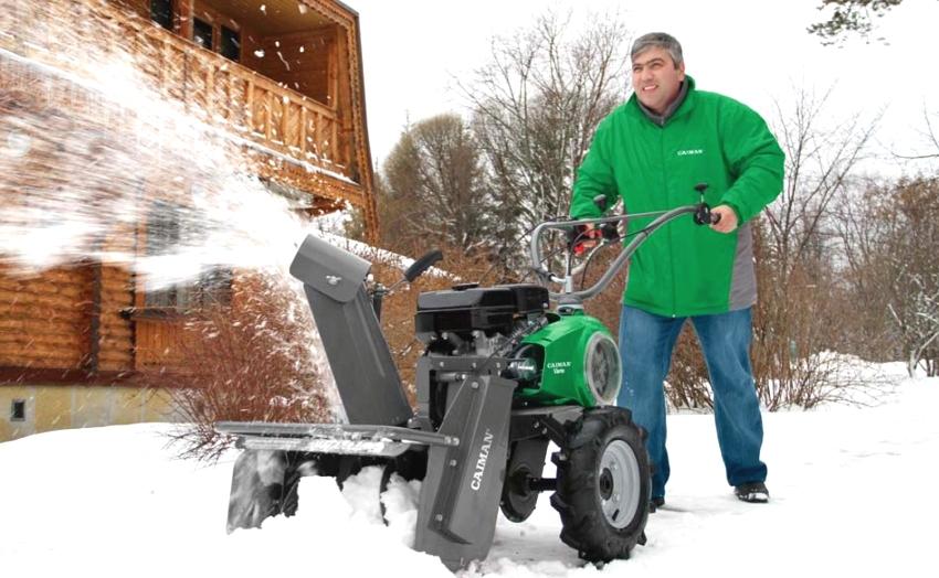 Мотоблок Caiman с навесным оборудованием для уборки снега