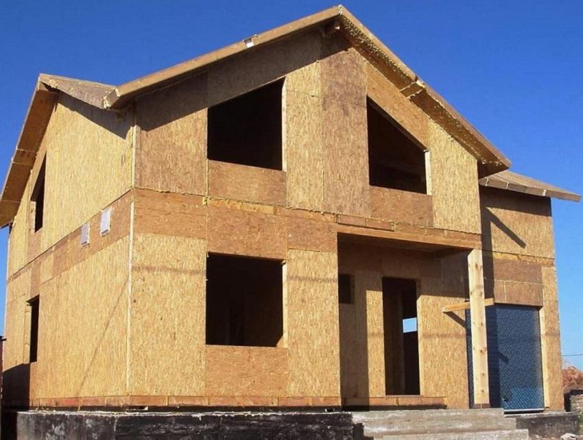 Из СИП-панелей можно строить конструкции (стены, перекрытия, крыши) без каркаса