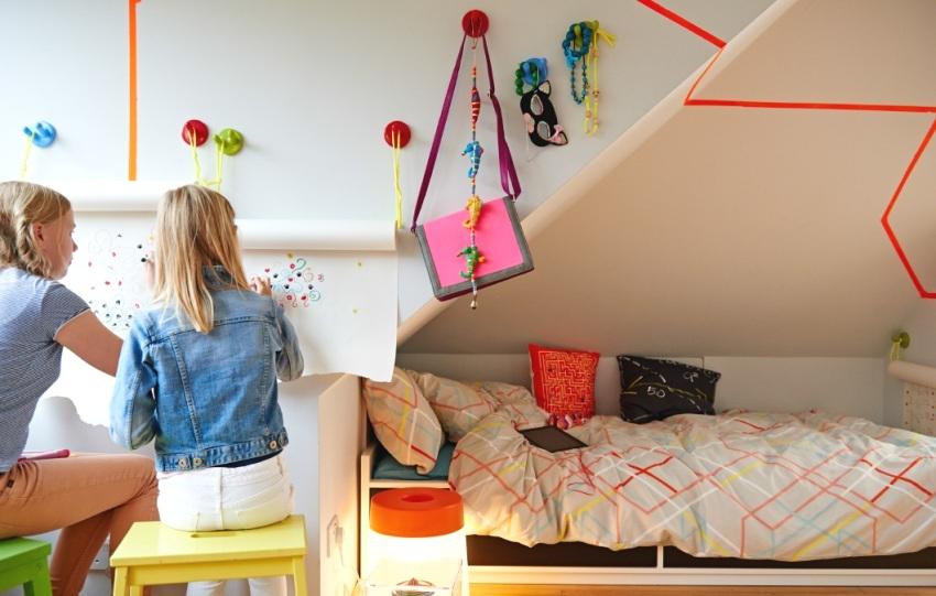 """Оригинальный способ """"рисования на стенах"""" - подвесная рулонная бумага"""