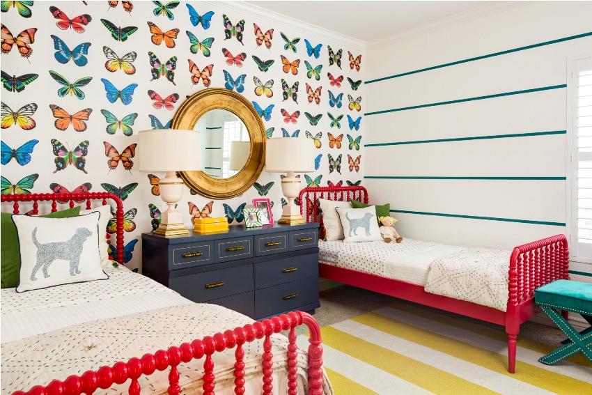 Яркий дизайн комнаты для двух девочек