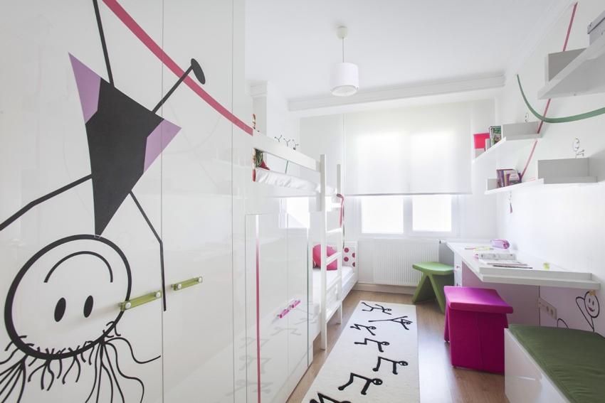 Пример оформления длинной узкой детской комнаты