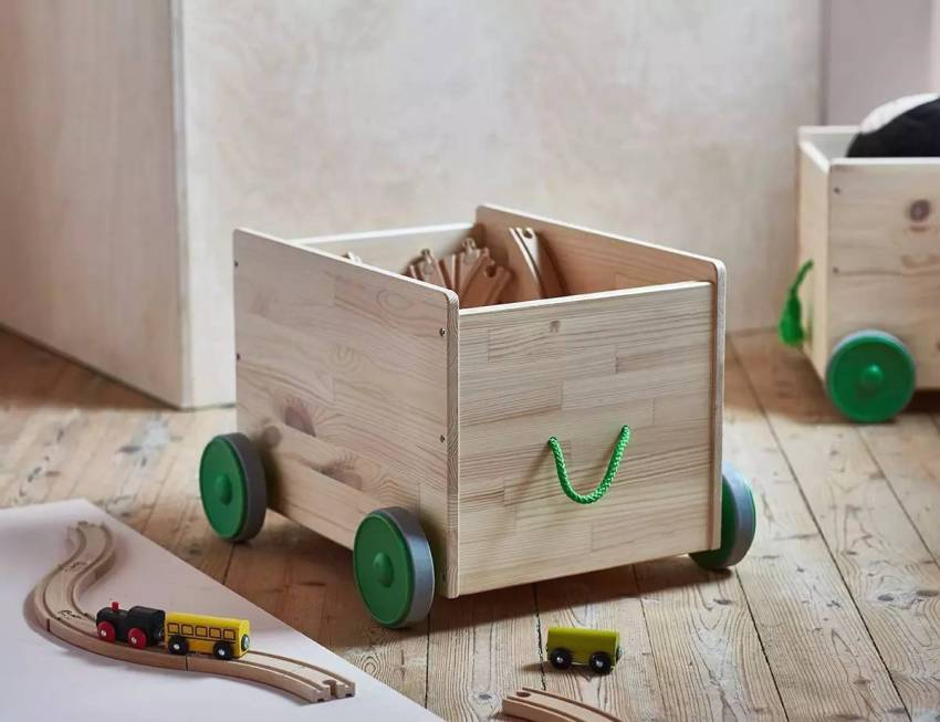 Оригинальные деревянные ящики с колесиками для хранения игрушек