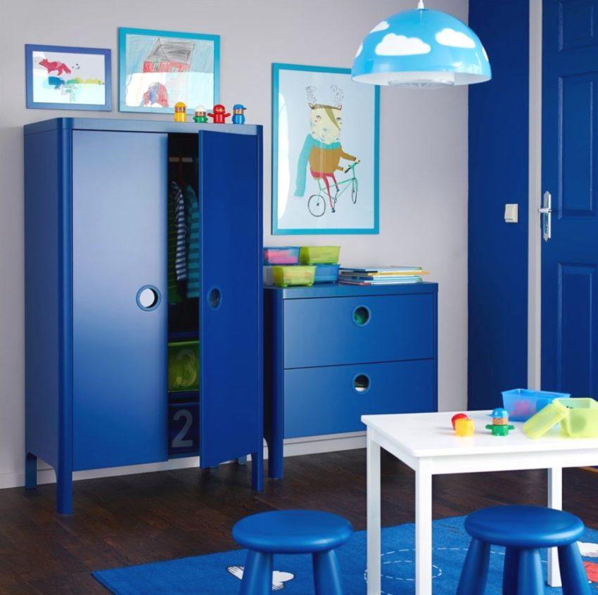 Мебель из синего эклогически чистого пластика