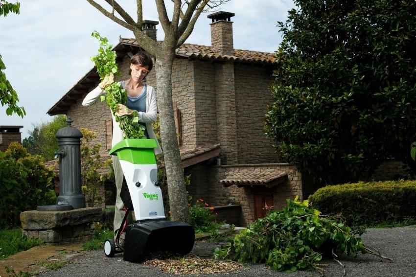 Садовый измельчитель является надежным помощником дачника