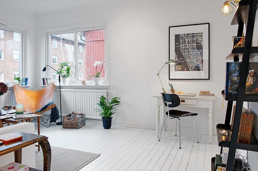 Отличным решением для визуального расширения пространства является одинаковый светлый цвет стен и пола